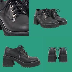 UNIF Jane Shoe Black Chunky Heels Size 6 US